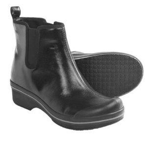Vail Black Coated Chelsea Rain Boot